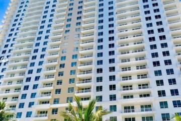 Home for Sale at 801 Brickell Key Blvd #3303, Miami FL 33131