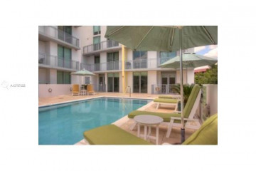 Home for Sale at 3001 SW 27th Ave #301, Coconut Grove FL 33133