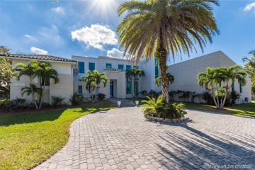 Home for Sale at 801 NW 122nd Ave, Plantation FL 33325