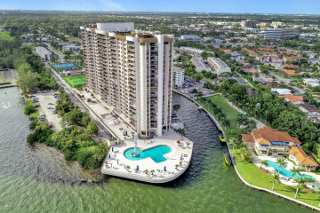 Home for Sale at 1800 NE 114th St #2309, Miami FL 33181