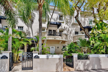 Home for Rent at 261 Navarre Ave #A-2, Coral Gables FL 33134