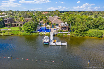 Home for Sale at 372 Regatta Dr, Jupiter FL 33477
