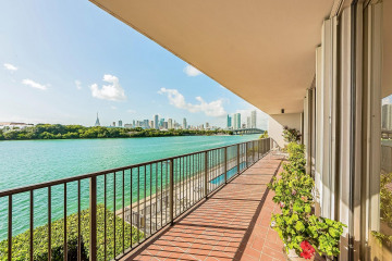 Home for Sale at 1000 Venetian Way #301, Miami FL 33139