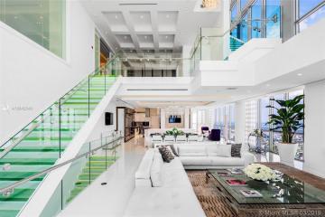 Home for Sale at 1100 Biscayne Blvd #6401, Miami FL 33132
