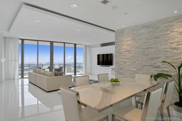 Home for Sale at 1100 Biscayne Blvd #5604, Miami FL 33132