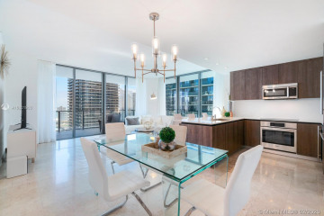 Home for Rent at 88 SW 7th St #2601, Miami FL 33130