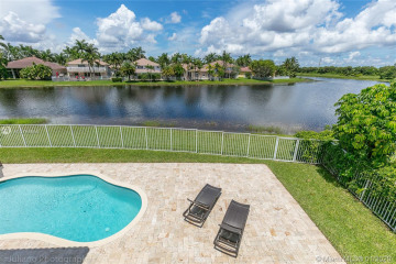 Home for Rent at 1809 Harbor View Cir, Weston FL 33327