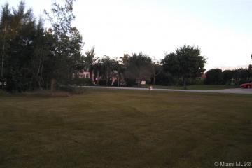 Home for Sale at 12341 SW 1st St, Plantation FL 33325