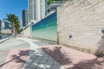 Home for Sale at 325 S Biscayne Blvd #2522, Miami FL 33131