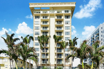 9195 Collins Ave #312