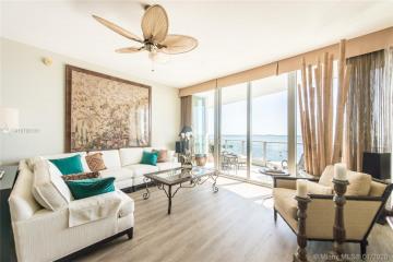 Home for Sale at 2627 S Bayshore Dr #2304, Miami FL 33133