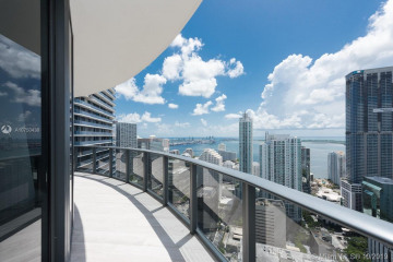 Home for Sale at 45 SW 9th St #4203, Miami FL 33130
