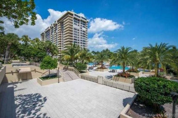Home for Rent at 3 Grove Isle Dr #CPH06, Miami FL 33133