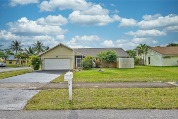 Home for Sale at 3700 NW 9th St, Delray Beach FL 33445