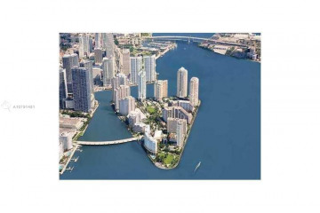Home for Rent at 848 Brickell Key Dr #1005, Miami FL 33131