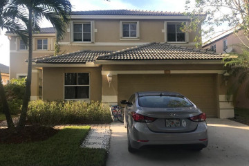Home for Rent at 1048 Sunflower Cir, Weston FL 33327