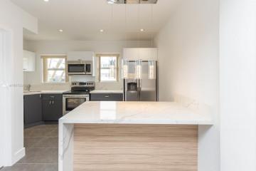 Home for Sale at 1614 Jefferson Ave #6, Miami Beach FL 33139