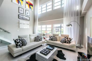 Home for Sale at 125 Ocean Dr #F0205, Miami Beach FL 33139