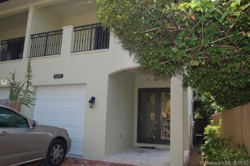 Home for Rent at 3227 Gifford Ln #3227, Miami FL 33133