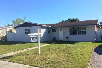 Home for Sale at 70 NE 213th St, Miami Gardens FL 33179