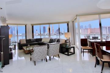 Home for Sale at 4000 Island Blvd #1407, Aventura FL 33160