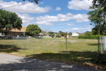 Home for Sale at 6204 NW 74th Ter, Parkland FL 33067
