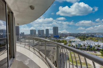 Home for Sale at 1750 N Bayshore Dr #2015, Miami FL 33132