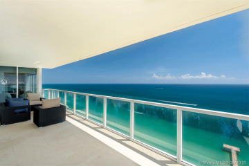 Home for Rent at 16699 Collins Ave #3902, Sunny Isles Beach FL 33160