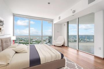 Home for Sale at 400 Alton Rd #3103, Miami Beach FL 33139