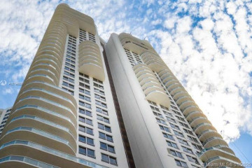 Home for Rent at 6365 Collins Av #1907, Miami Beach FL 33141