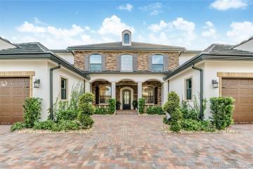 Home for Sale at 9015 Vista Way, Parkland FL 33076
