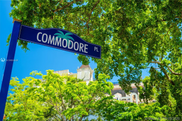 Home for Rent at 3121 Commodore Pz #PH1, Coconut Grove FL 33133