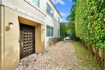 Home for Sale at 1545 Meridian Ave, Miami Beach FL 33139