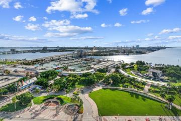 Home for Sale at 244 Biscayne Blvd #2203, Miami FL 33132