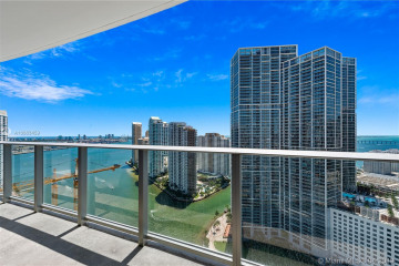 Home for Sale at 200 Biscayne Blvd Wy #3408, Miami FL 33131