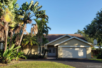 Home for Rent at 1070 NW 95th Ave, Plantation FL 33322