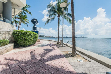 Home for Sale at 335 S Biscayne Blvd #2408, Miami FL 33131