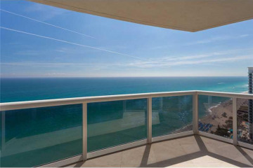 Home for Sale at 18911 Collins Ave #2705, Sunny Isles Beach FL 33160