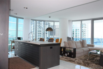 Home for Sale at 200 Biscayne Boulevard Way #3701, Miami FL 33131
