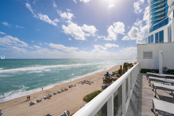 Home for Sale at 15811 Collins Ave #3704, Sunny Isles Beach FL 33160