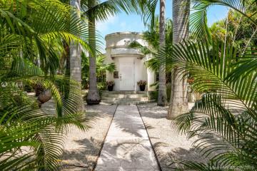 Home for Sale at 733 NE 75th St, Miami FL 33138