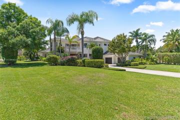 Home for Sale at 18216 SE Ridgeview Dr, Jupiter FL 33469