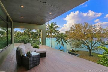 Home for Sale at 5511 River Cv, Jupiter FL 33458