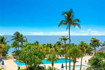 Home for Rent at 881 Ocean Dr #3E, Key Biscayne FL 33149