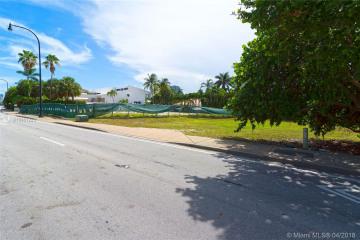Home for Sale at Golden Beach Lot 8 & 9, Golden Beach FL 33160