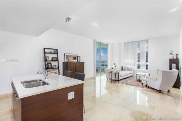 Home for Sale at 1900 N Bayshore Dr #PH4903, Miami FL 33132