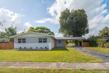Home for Sale at 231 NW 49th Ave, Plantation FL 33317