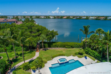 Home for Sale at 6926 SE Harbor Cir, Stuart FL 34996