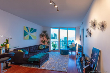Home for Sale at 185 SW 7th St #3102, Miami FL 33130