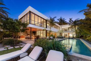 Home for Sale at 1142 N Venetian Dr, Miami Beach FL 33139